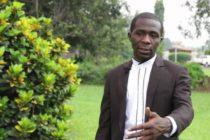 Luc Nkulula de la Lucha est mort dans un incendie causé par l'explosion d'une batterie solaire (Justice)